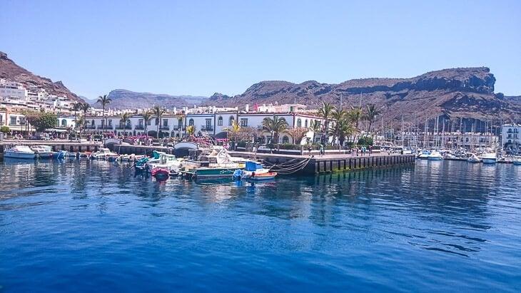 puerto de mogan hamnen