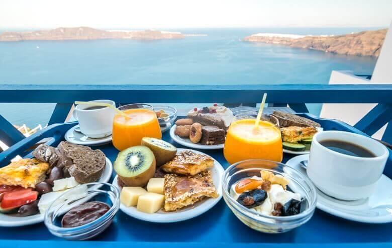 breakfast-santorini