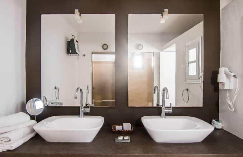 heliotopos-bathroom