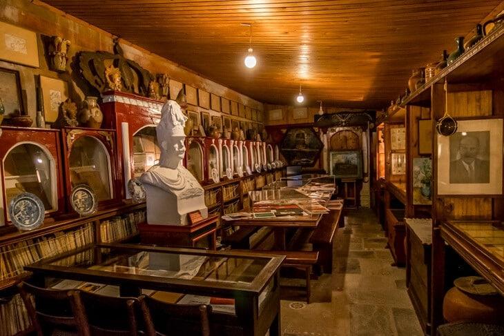 folklore museum skyros