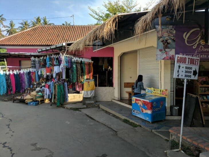 1 restaurants and souvenir shops