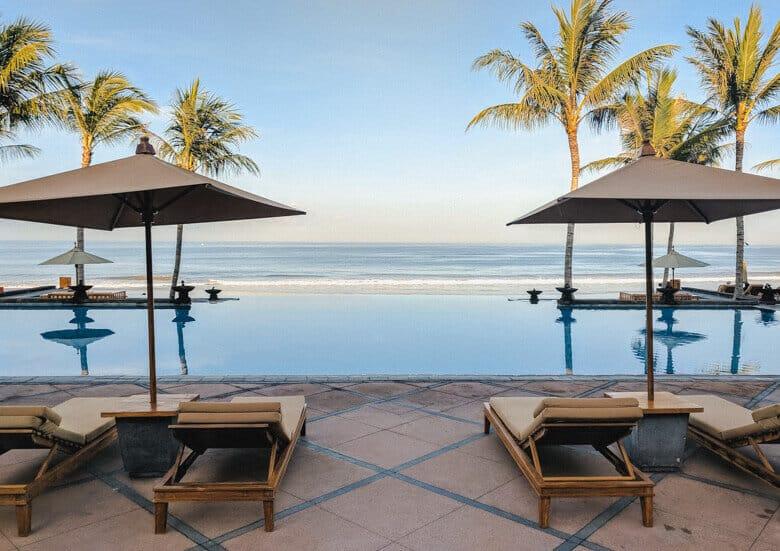 The-Legian-Bali-pool