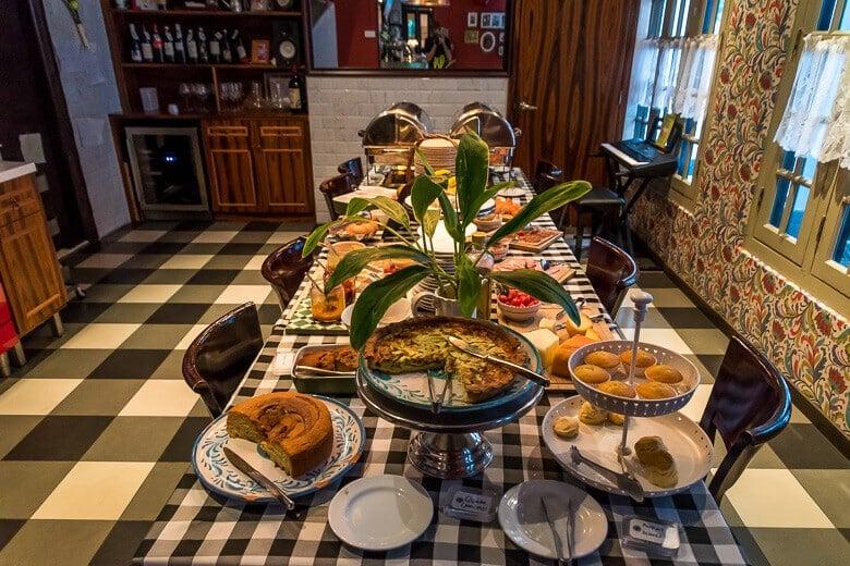 the-Scarlet-singapore-breakfast-casa-trufo