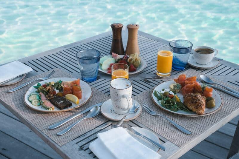 Hurawalhi-breakfast-view (1)