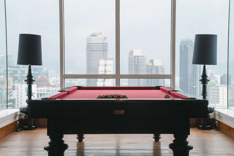 Lanson-Place-pool-table