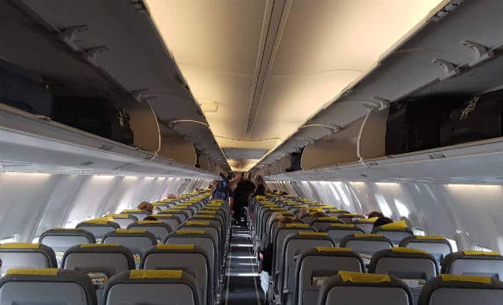 fly with primera air