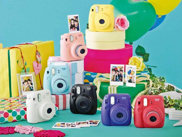 Polaroid Camera - Capture moments instantly with Fuji Instax Mini 8