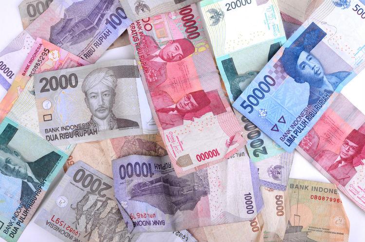 la moneda de Indonesia (IDR)
