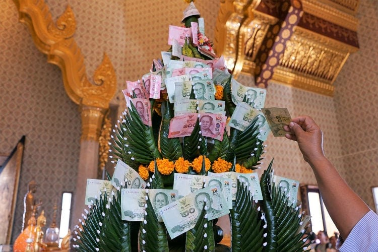 Valuta i Thailand – Ska man växla före resan eller inte?