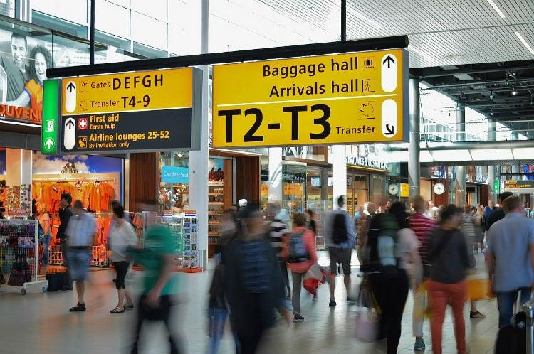 växla pengar på flygplats