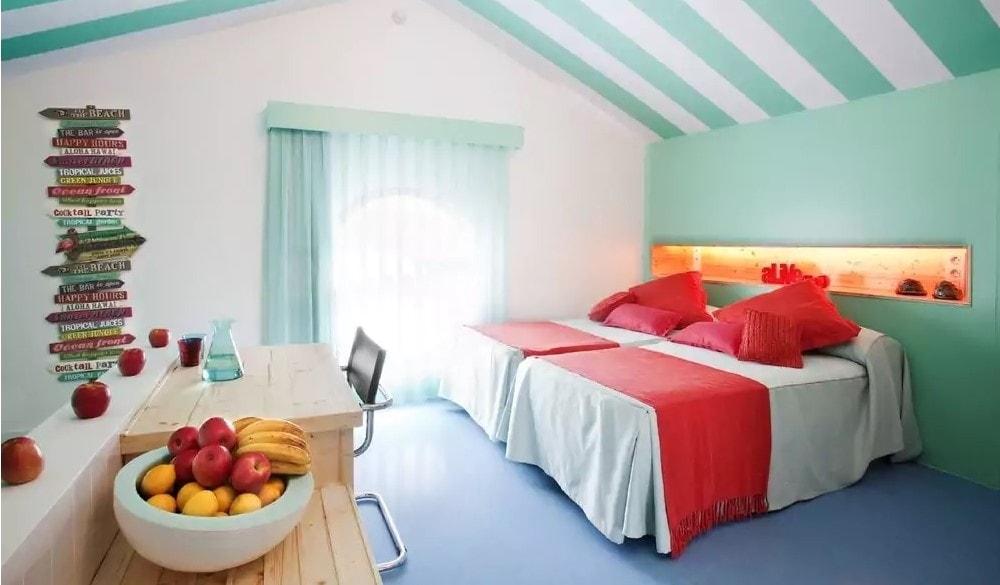 Amistat Beach Hostel bedroom