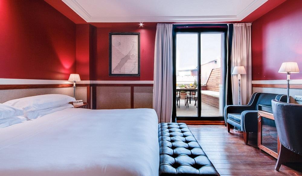 Hotel 1898 bedroom