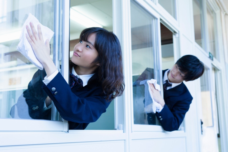 Japanese students are cleaning in school