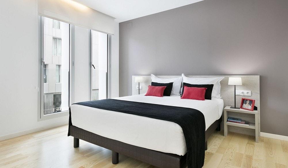 Lugaris Beach bedroom
