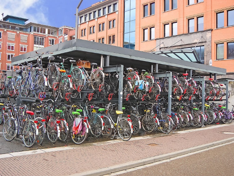 bikes in Amsterdam - Netherlands facts