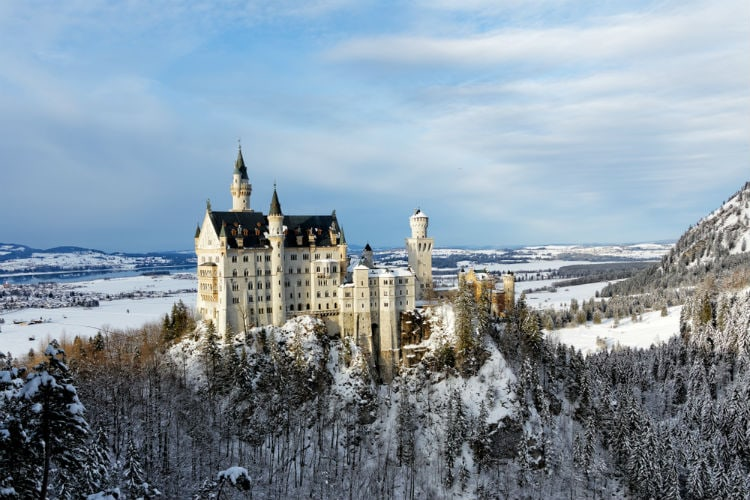neuschwanstein castle winter