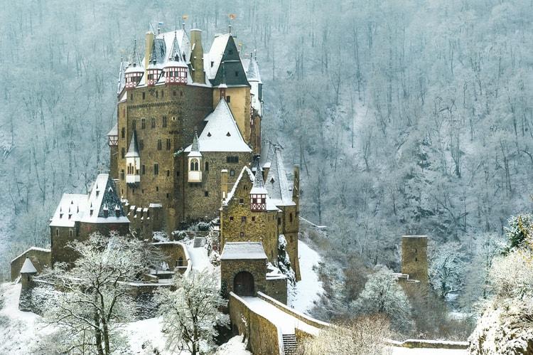 burg eltz winter