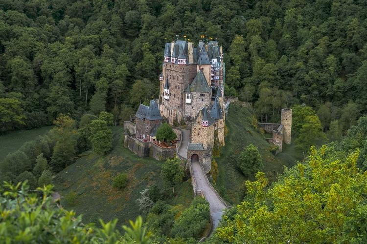 eltz castle viewpoint