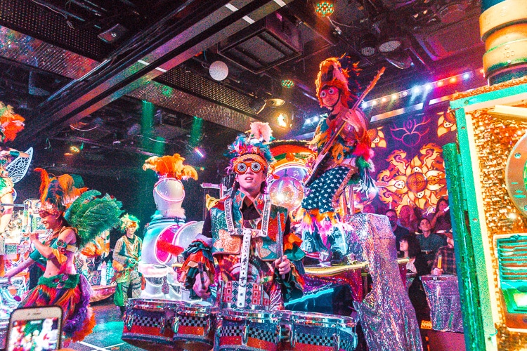 robot restaurant actor