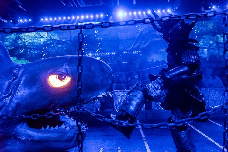 robot restaurant shark