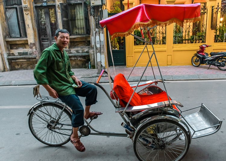 vietnam bicycle taxi