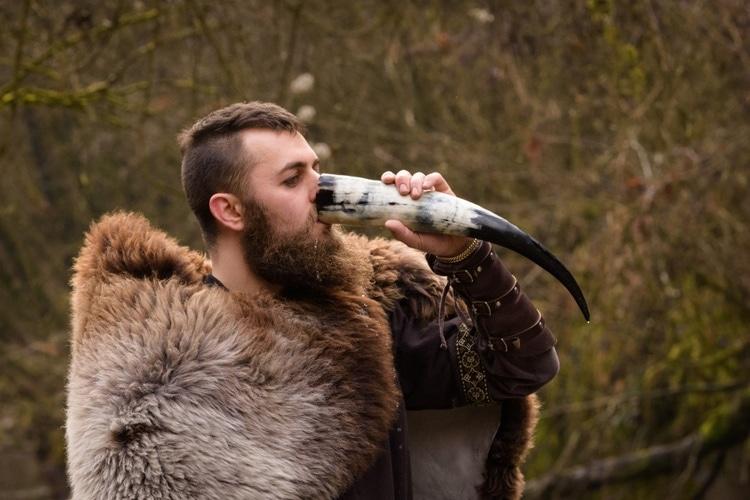 Drinking horn