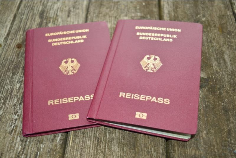 Två tyska pass