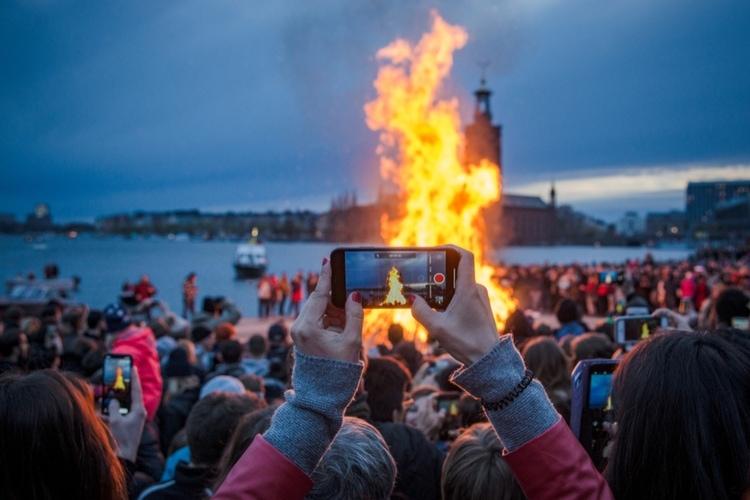 Varfor firar vi Valborg