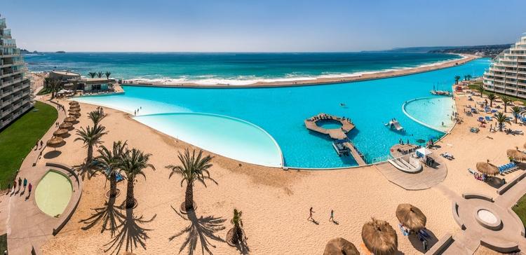 Worlds biggest swimming pool