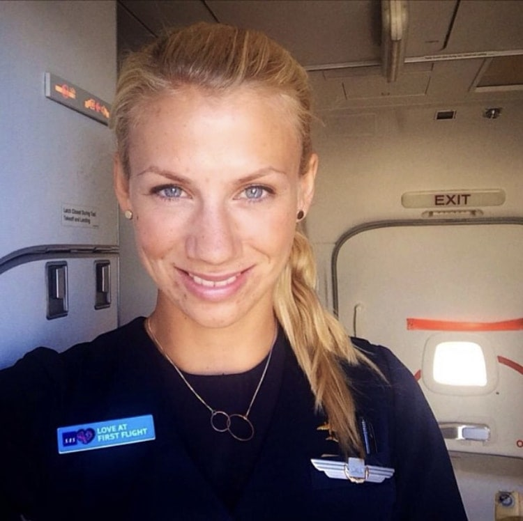 What it's like to work as a Flight Attendant/Cabin Crew
