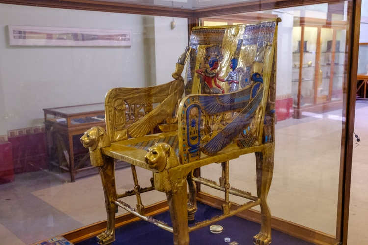 Tutankhamuns gyllene tron