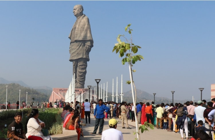 information about the tallest statues in the world