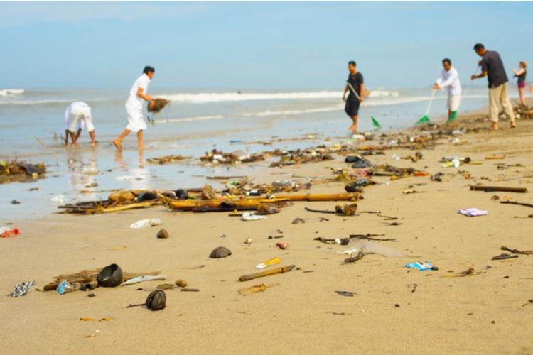 Trash in Bali