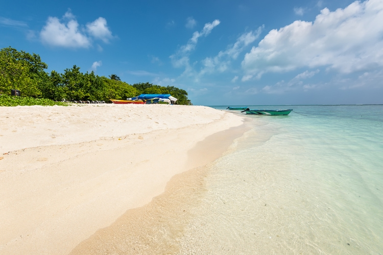 Travel to the Maldives on a budget