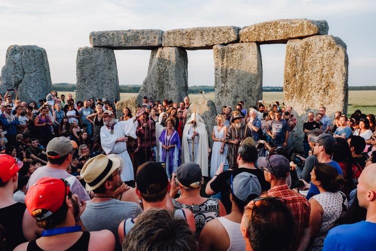 Firande av sommarsolståndet vid Stonehenge