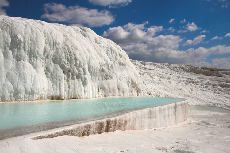 Pamukkale white cliff spa