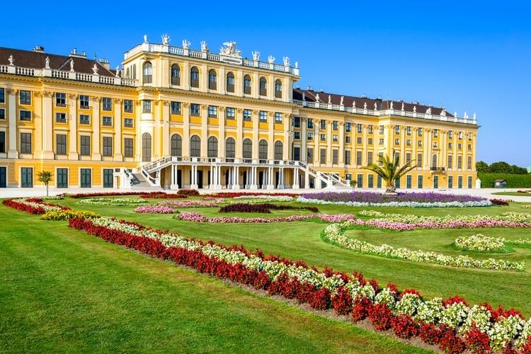 Schönbrunn Palace in Vienna – Information for Visitors