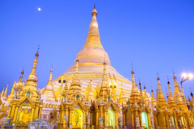 Schwedagon Pagoda in Yangon