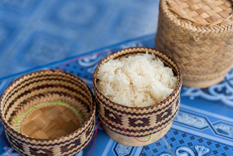 khao niaow