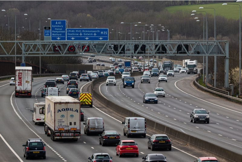 Left-hand side traffic in the United Kingdom