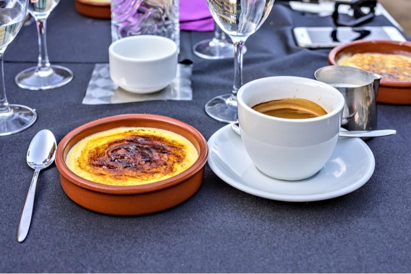 Crema Catalana på restaurang