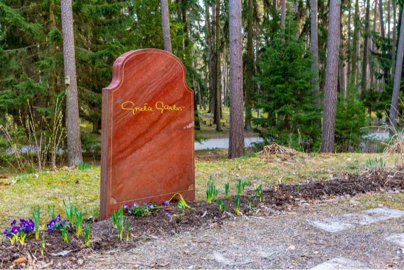 Greta Garbos grav på Skogskyrkogården