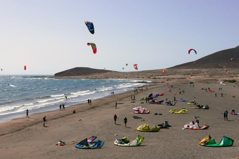 Kites at Medano Beach