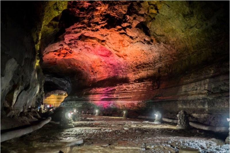 Manjang Caves