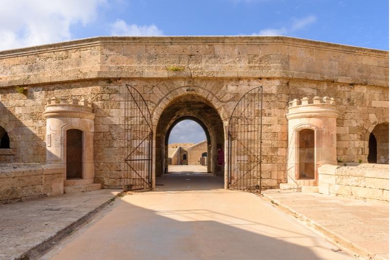 Fortaleza De Isabel II