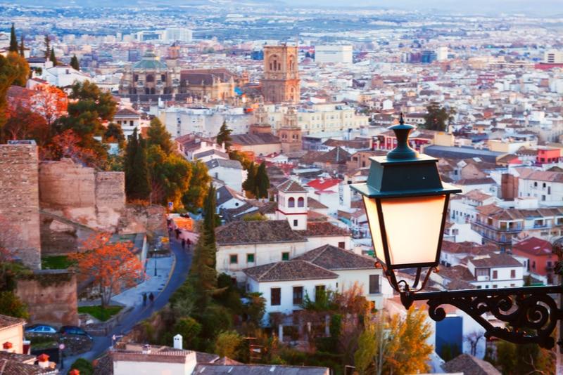 Att göra i Granada (Spanien) – 15 Sevärdheter och Aktiviteter