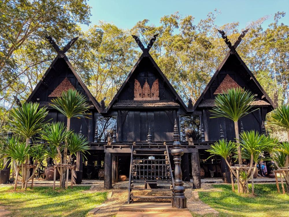 Baan dam museum
