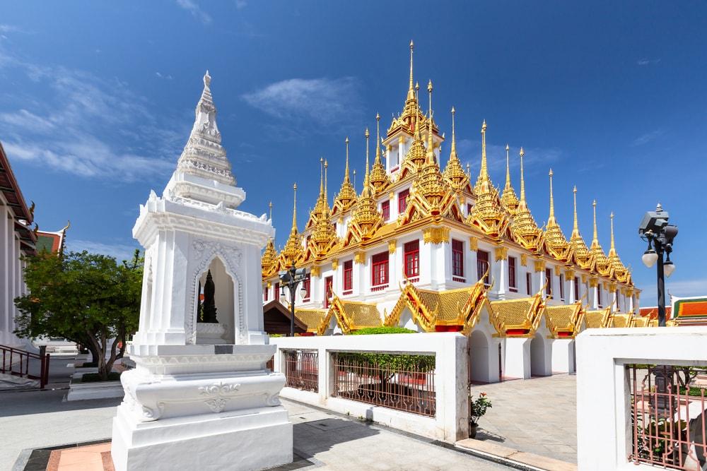 Wat Ratchanatdaram (Loha Prasat)